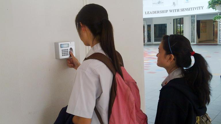 biometric devices, biometric fingerprint scanner, biometric attendance solution, biometric attendance management, biometric door controller